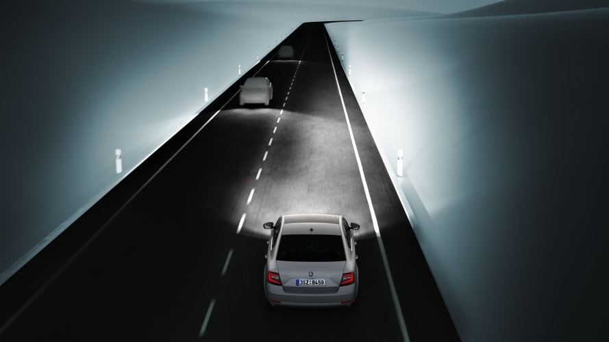 ŠKODA Octavia Combi - Light Assist